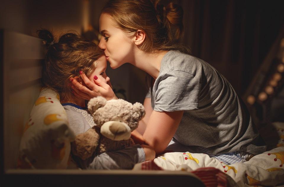Pourquoi mon enfant se réveille la nuit ?